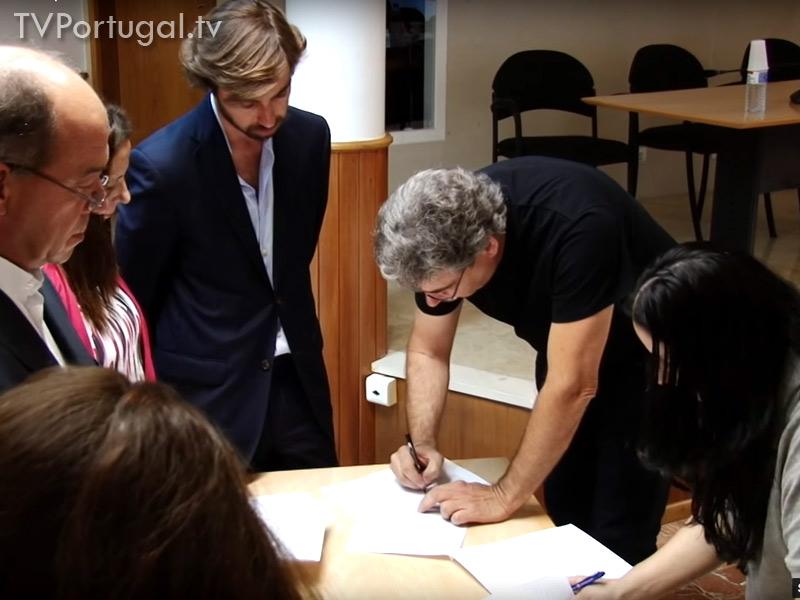 Bolsas Sociais, Assinatura do Protocolo, Frederico Pinho de Almeida, 440 famílias abrangidas, Cascais Televisão Portugal, Carlos Carreiras