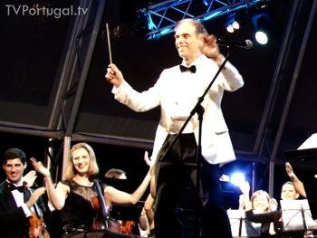 """Orquestra Sinfónica de Cascais, Festas do Mar 2015, Maestro Nikolay Lalov, """"Sirtaki"""" de Mikis Theodorakis, do filme """"Zorba"""", Cascais Televisão Portugal"""